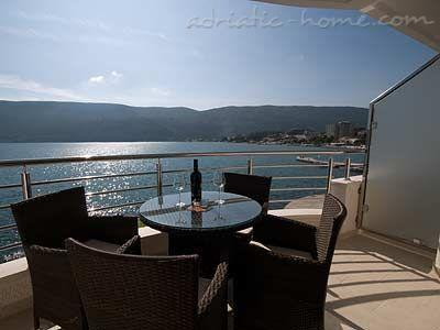 Apartments TWINS-IGALO III, Herceg Novi, Montenegro - photo 1