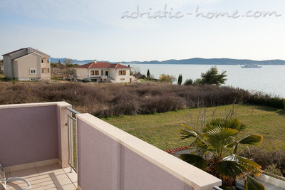 Apartamente Seaside apartment house Zadar II, Zadar, Kroacia - foto 9