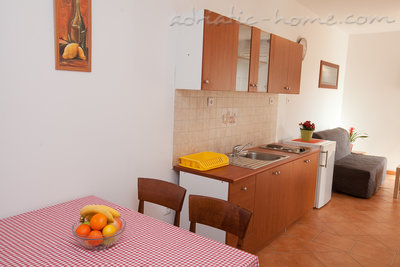 Apartamente Seaside apartment house Zadar III, Zadar, Kroacia - foto 13