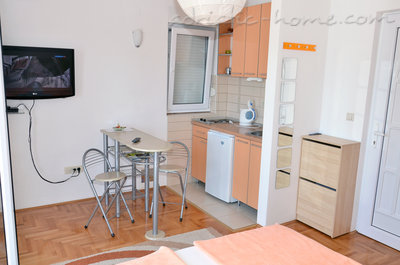 Apartments Bellevue - Otašević I, Herceg Novi, Montenegro - photo 2