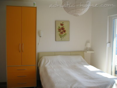Apartments Bellevue - Otašević I, Herceg Novi, Montenegro - photo 4