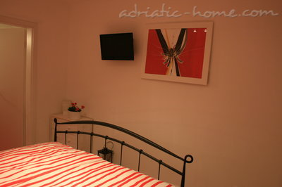 Apartments Oleander, Hvar, Croatia - photo 4