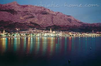 Apartments Cvjetni Dvori III, Makarska, Croatia - photo 11