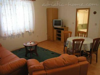 Apartments Cvjetni Dvori III, Makarska, Croatia - photo 6