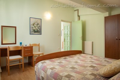 Apartments Cvjetni Dvori IV, Makarska, Croatia - photo 6
