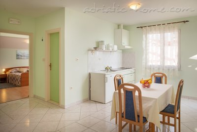 Apartments Cvjetni Dvori IV, Makarska, Croatia - photo 8