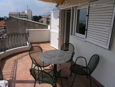 Apartments Cvjetni Dvori V, Makarska, Croatia - photo 1