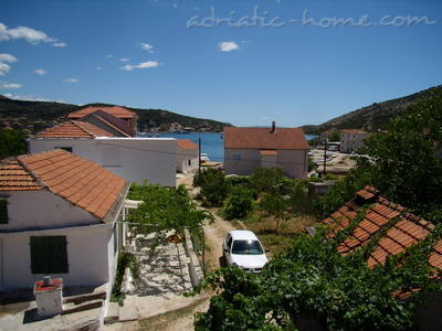 "Apartments Filip ""B"", Vinišće, Croatia - photo 2"