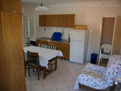 "Apartment Filip ""B"", Vinišće, Croatia - photo 6"