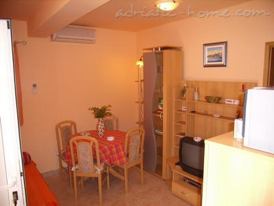 "Apartment Pearl ""B"", Vinišće, Croatia - photo 3"