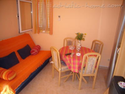"Apartment Pearl ""B"", Vinišće, Croatia - photo 4"