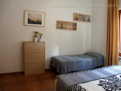 Apartment Trastevere, Roma, Italy - photo 7