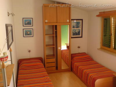 Studio apartment VIŠNJA, Premantura, Croatia - photo 3