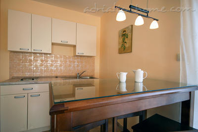 Studio apartment daMonte 2+1, Budva, Montenegro - photo 2