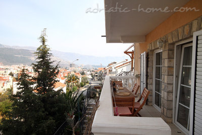 Studio apartment daMonte 2+1, Budva, Montenegro - photo 5