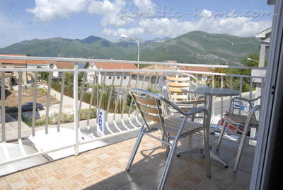 Apartments DOŠLJAK DRAGAN APARTMAN II, Tivat, Montenegro - photo 13