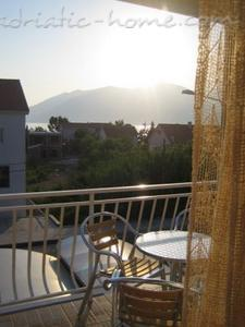 Apartments DOŠLJAK DRAGAN APARTMAN II, Tivat, Montenegro - photo 2