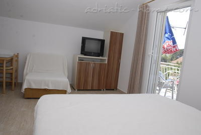Studio apartment DOŠLJAK DRAGAN STUDIO I, Tivat, Montenegro - photo 5