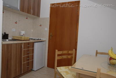 Studio apartment DOŠLJAK DRAGAN STUDIO I, Tivat, Montenegro - photo 7