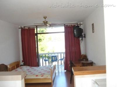 Studio apartment ANA A3, Korula, Croatia - photo 3