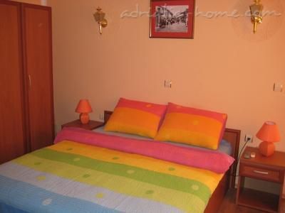 Studio apartment HOLIDAY, Ulcinj, Montenegro - photo 3