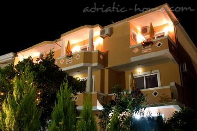 Studio apartment HOLIDAY, Ulcinj, Montenegro - photo 10