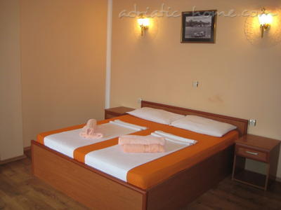 Studio apartment HOLIDAY, Ulcinj, Montenegro - photo 2