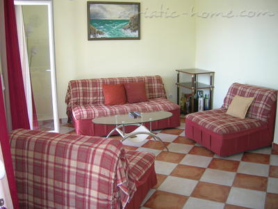 Apartments MIDZOR II, Buljarica, Montenegro - photo 2