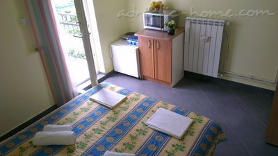 Rooms Midzor, Buljarica, Montenegro - photo 4
