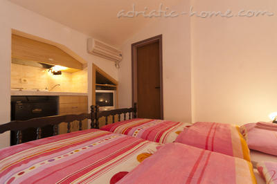 Studio apartment JELIC I , Herceg Novi, Montenegro - photo 1