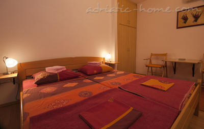 Studio apartment JELIC II , Herceg Novi, Montenegro - photo 2