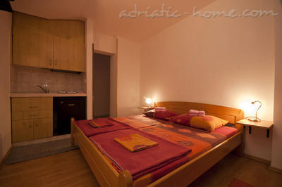 Studio apartment JELIC II , Herceg Novi, Montenegro - photo 1
