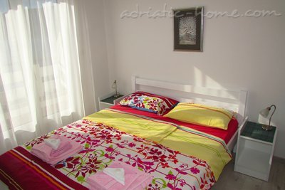 Studio apartment JELIC III , Herceg Novi, Montenegro - photo 3
