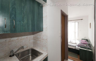 Studio apartment JELIC III , Herceg Novi, Montenegro - photo 2