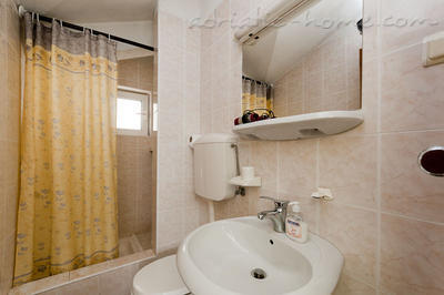 Studio apartment JELIC III , Herceg Novi, Montenegro - photo 4