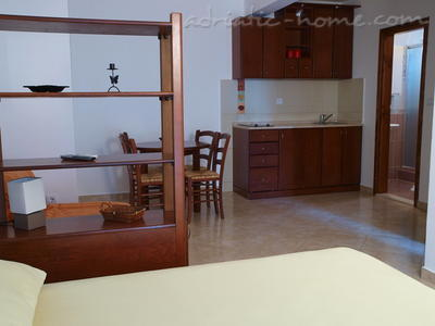 Studio apartment LUX DRAGOVIĆ, Petrovac, Montenegro - photo 5