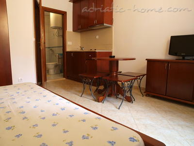 Apartments LUX DRAGOVIĆ, Petrovac, Montenegro - photo 3