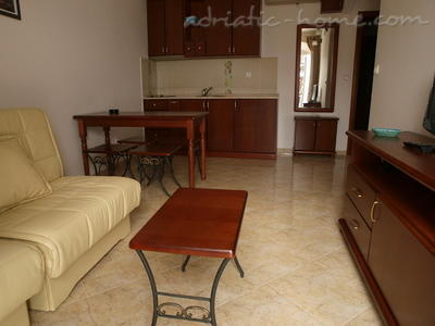 Apartments LUX DRAGOVIĆ, Petrovac, Montenegro - photo 2