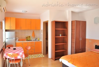 Studio apartment VILA MARIJA, Petrovac, Montenegro - photo 3