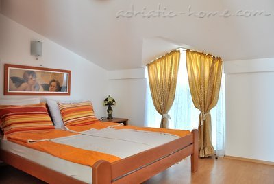 Apartments VILA MARIJA IV, Buljarica, Montenegro - photo 4