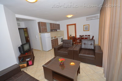 Apartments LUX BROTHERS VOJVODIĆ , Herceg Novi, Montenegro - photo 8