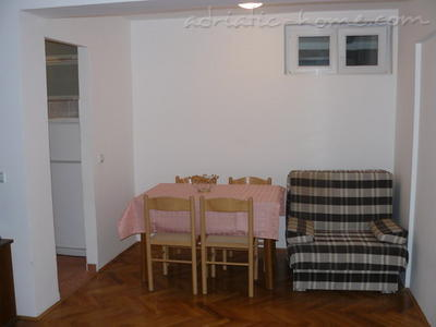 Apartments VELJKO RADOVIĆ III, Petrovac, Montenegro - photo 3