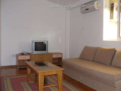 Studio apartment VELJKO RADOVIĆ IV, Petrovac, Montenegro - photo 2