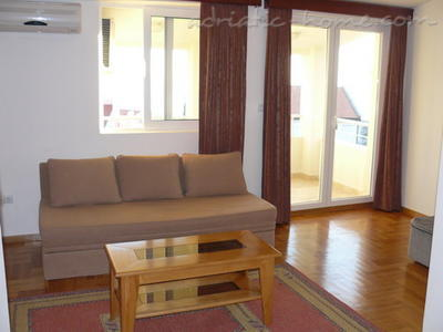 Studio apartment VELJKO RADOVIĆ IV, Petrovac, Montenegro - photo 3