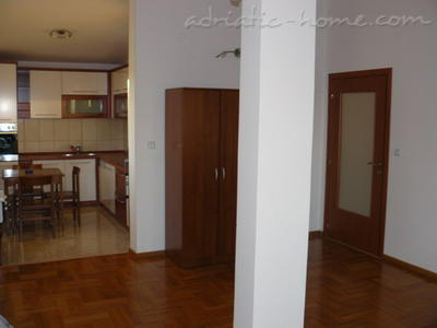 Studio apartment VELJKO RADOVIĆ IV, Petrovac, Montenegro - photo 5