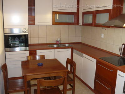 Studio apartment VELJKO RADOVIĆ IV, Petrovac, Montenegro - photo 6