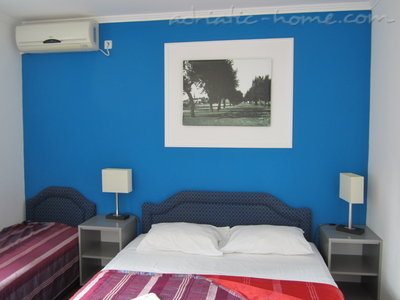 Studio apartment VILA K5+ III ***, Budva, Montenegro - photo 7