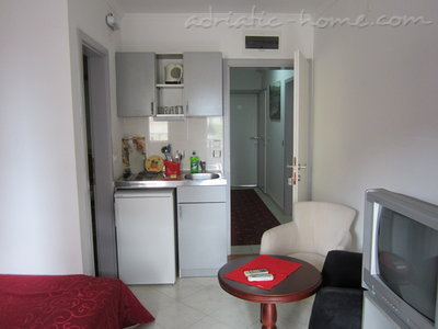 Studio apartment VILA K5+ III ***, Budva, Montenegro - photo 11
