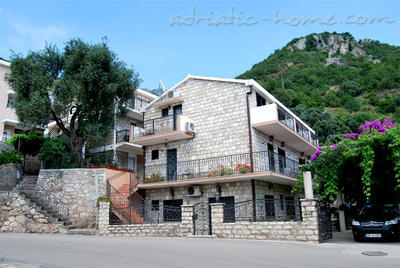 Apartments VILA KENTERA NIKOLA, Sveti Stefan, Montenegro - photo 1