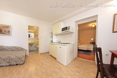 Apartments SILVANA-APP 2+2, Makarska, Croatia - photo 6